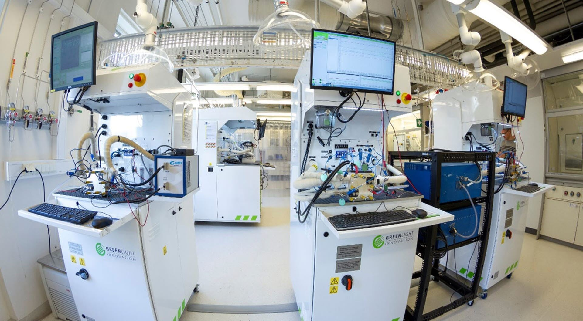 The Low Emission Centre studies fuel cells in the SINTEF Low Temperature Electrolysis and fuel cell laboratory.