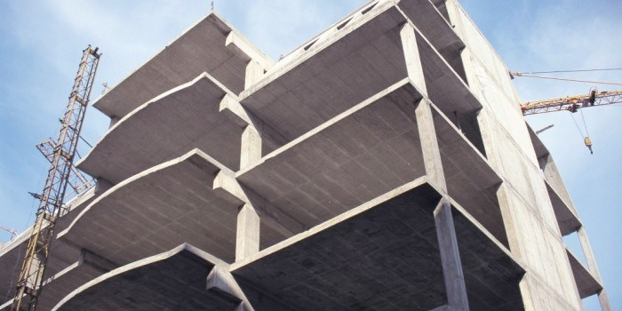 According to SINTEF, enough concrete constructions are built each year worldwide to exceed the height of Mount Everest (equivalent to a 10,000 metre-high concrete block covering one square kilometer). Photo: Thinkstock.