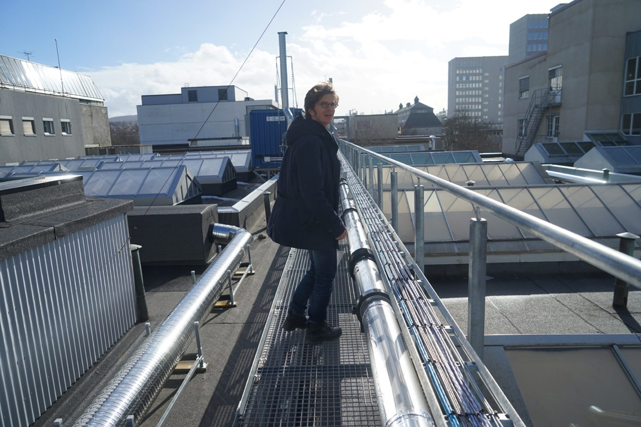 Researcher Svend Tollak Munkejord at SINTEF at the test facility which is located on a roof at Gløshaugen in Trondheim. The test-plant plays an important role for the future CO2 management. Photo: Mona Sprenger