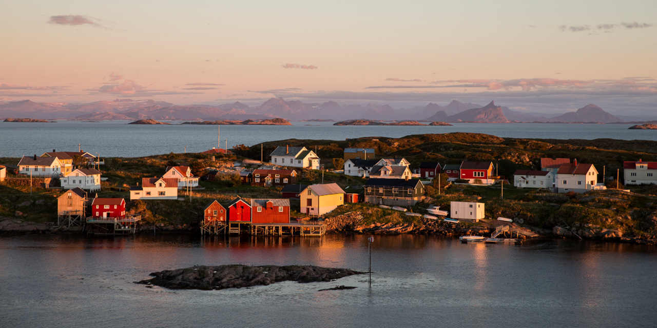 The inhabitants of this island off the coast of Helgeland want to be entirely self-sufficient in energy. It is also important that the energy is green and renewable. Photo: Sigurd Fandango